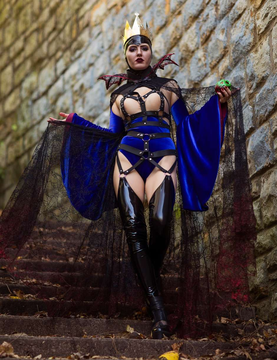 evil queen costume from snow white
